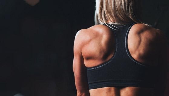 Почему спина тяжело поддается тренировке?
